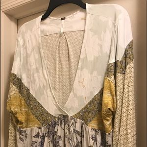 Free people size XL flowy v neck shirt.